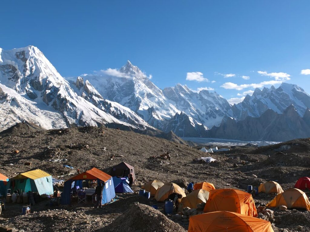 20 Masherbrum e Yermanen du Glacier from Goro camp 5th stages 1280x960